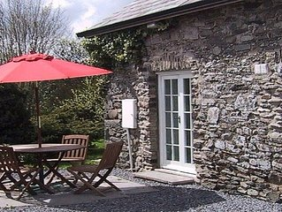 Dog Friendly Cottage, WiFi, Games Room, BBQ + Cot