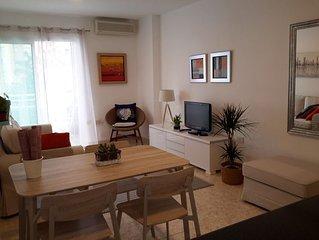 Centrico apartamento cerca del mar - con WIFI y Aire Acondicionado