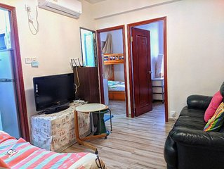 Warm 2 bdrm* Ladies Market for 7ppl