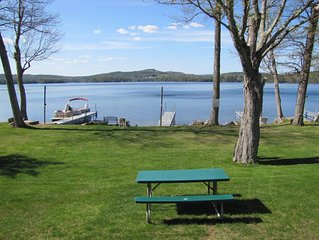 Meredith, Modern Lakefront 4 bedroom, 2 bath, home, close to downtown.