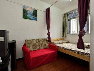 1 bdrm,1 lounge for5 *Ladies Market