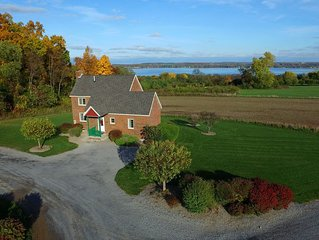 Seneca Cottage in the Finger Lakes-Peaceful & tranquil over looking Seneca Lake