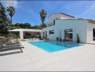 Newly renovated modern 4 bedroom family Villa with sea view  in Valbonne
