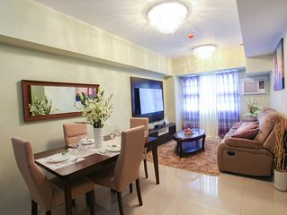 Luxury 2-bed 2-bath entire apartment, heart of Cebu City with excellent views