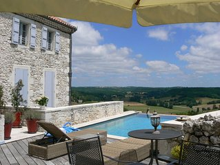 Appartement de charme et caractère dans  un village typique du Sud Ouest France