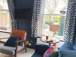 Boutique flat near Jesus Green with parking