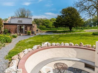 New Listing - Tranquillity in Stylish Victorian Walled Garden Barn Conversion