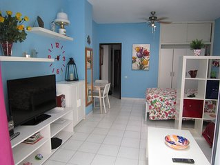 100 meters from the beach. The apartment has a balcony and free Wifi.