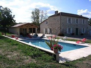 Maison de caractere en pierre avec piscine
