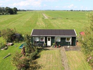 charmant huisje in het groen aan dijk in Durgerdam (Waterland) vlakbij Amsterdam
