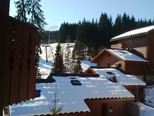 Spacious, comfortable 3 Bedroom 2 Bathoom Apartment  - with views over slopes .