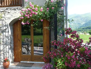 Farmhouse Gite In Beautiful Mountain Location, Heated Pool & Hot Tub.