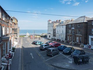 Stunning central 1 bed apartment, direct sea views, sleeps four