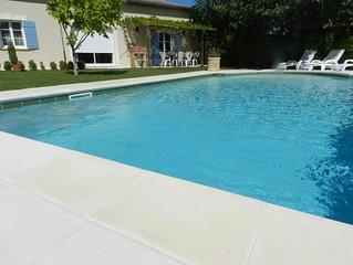 Maison calme et confort en campagne, piscine privée.