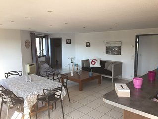 Loft grande terrasse, 6 couchages, zone d'activite, terrasse, parking prive