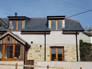Beautiful luxury cosy village cottage near Woolacombe and Croyde beaches