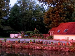 River Cottage: Private Lakeside Gite In Idyllic Location. A Great Place To Relax