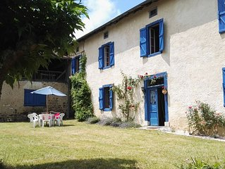 La Villa Bleue is a traditional Gascogne house in the village of Galan, sleeps 6
