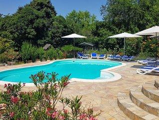 Luxe chalet met zwembad, sauna, speeltuin & wifi
