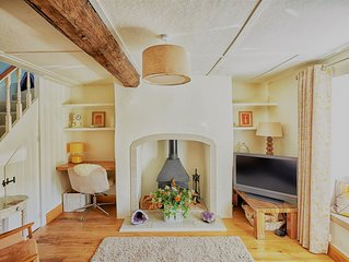 Annies Cottage:  Beautiful red stone cottage in the heart of Somerset
