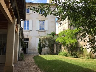 3 large rooms in the heart of Cognac