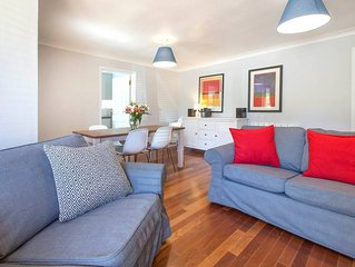 Modern, Warm, Secure and Comfortable Oxford Apartment with easy access to City