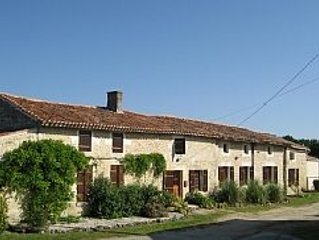 French Farmhouse With Pool   http://www.*************, holiday rental in Saint Crepin