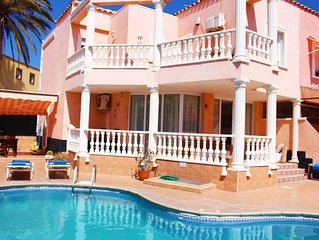 Vista Hermosa,  3 bed villa with optional 2 bed flat, & heated pool!