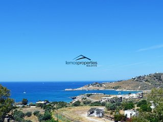 Family house with a sea view for rent in the area of Koundouros