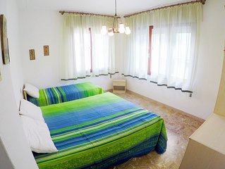Great Apartment 20 metres to the Beach - Beach Place and Amenities Included