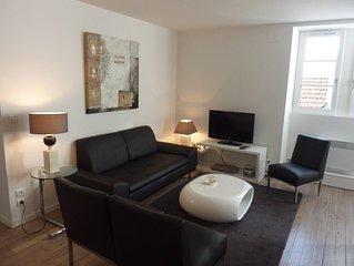 Appartement Standing, Centre ville de St Jean de Luz, rue pietonne , calme