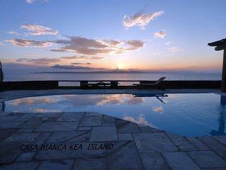 Villa Casa Bianca on the waterfront with a swimming pool and amazing sea view