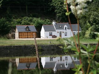 Riverside holiday cottage to rent in Brittany