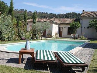 Prachtige Provencaalse villa met fraai zwembad tussen de wijnvelden te huur