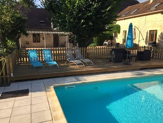 Lovely gite with own pool and fantastic views - 15 mins from Sarlat