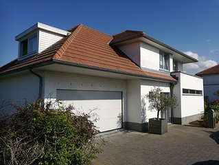 Ruime, rustig gelegen villa in De Panne - Adinkerke met prachtige tuin