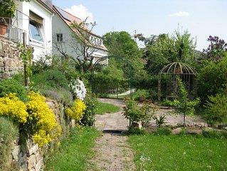 Ruhige, gemutliche Ferienwohnung am sonnigen Sudhang mit Gartennutzung