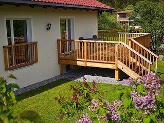 Gemütliches Ferienhaus mit großem Garten, Balkon, Veranda