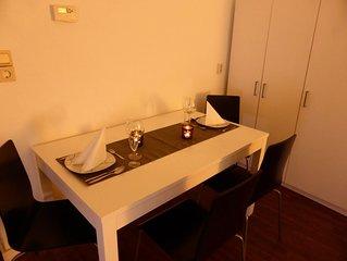 Großes helles Apartment mit 2 Schlafzimmern free WiFi 5 Minuten bis ins Zentrum