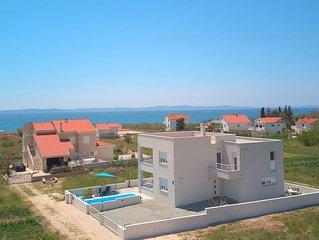 Apartment mit Pool und einem schönen Blick auf das Meer  - Villa Le Mare