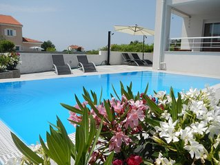 Apartment mit Pool, Sandstrand, Meerblick, W-Lan, Grill, Parkplatz