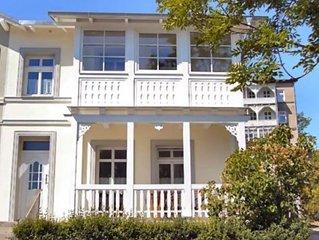Gemütliche Villa mit Seeblick, Gartenterrasse