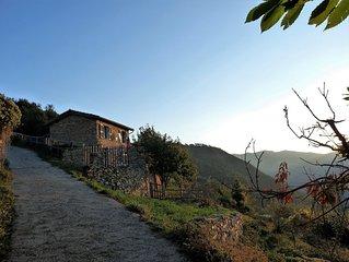 Steinhaus in Alleinlage mit Meerblick