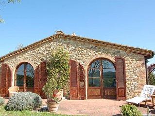 La Casetta - liebevoll gestaltetes Ferienhaus in Panoramalage, Pool
