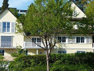 Ferienwohnung  in DER BODENSEE VILLA mit See- und  Gartenschaublick