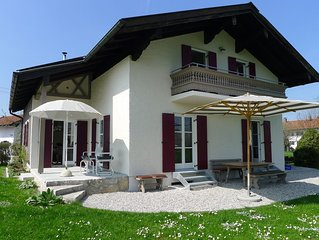 Freistehendes Ferienhaus mit Garten in ruhiger Lage - wenige Minuten zum See