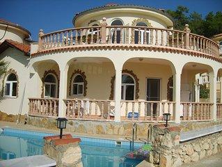 Villa, ganz bezaubernd bis zu 6 Personen, mit Meerblick und eigenen Pool