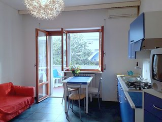"""AIR-CONDITIONED APARTMENT """" Verone""""   3 PEOPLE TERRACE on garden. BEACH at 2 min"""