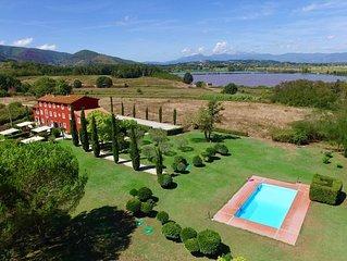 LUCCA !NEU! Modern- toskanisches Landhaus im Park,Pool& atemberaubenden Panoram