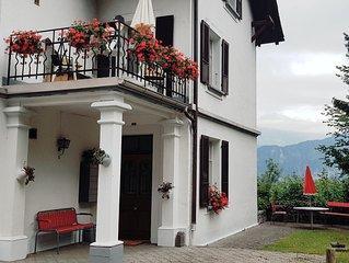 Weisses Haus am Sonnige Terasse